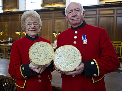 Stilton helps Chelsea Pensioners ring in the festive season